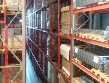 Interessante Halle 2100 m2 zum Kaufen oder mieten -alle Details auf Anfrage