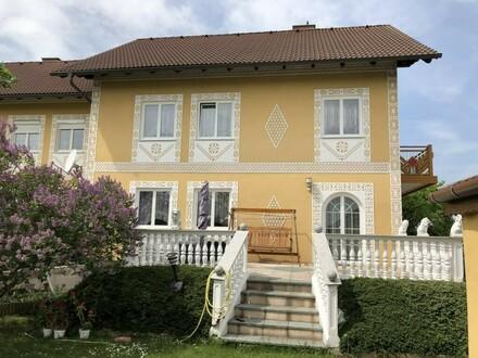 Nochmals Preisreduziert !!! Liebevolle Doppelhaushälfte mit viel Platz, attraktive Lage, sofort beziehbar ! Besichtigen und…