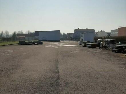 Große asphaltierte Freifläche zu vermieten!