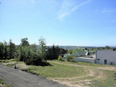 Bungalow auf einmaligem großem Grundstück in herrlicher Aussichtslage - Sanierungsprojekt