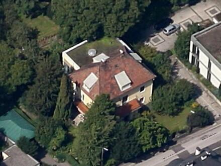 Villa mit Hallenbad in Spitzenwohnlage! NEUER PREIS