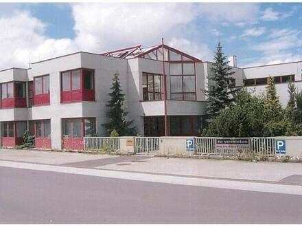 Gewerbeobjekt mit Büro, Halle und Freifläche Kauf oder Miete-Toplage nahe Pluscity !!!!