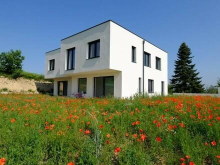 St. Florian: Doppelhaushälfte für Anspruchsvolle in Alleinlage