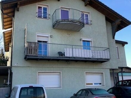 Kleines Zinshaus mit 5 Wohnungen nahe Pluscity