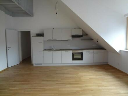 Helle, großzügige Wohnung mit Blick über Linz!