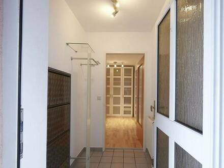 großzügige 2-Zimmer-Wohnung mit Terrasse