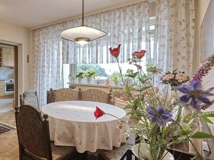 Ausblick garantiert - geräumige Wohnung im obersten Stockwerk!