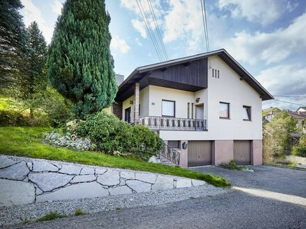 Adaptierbares Einfamilienhaus mit großem Grundstück!