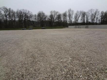 Großes Areal im Betriebspark Sinnersdorf!