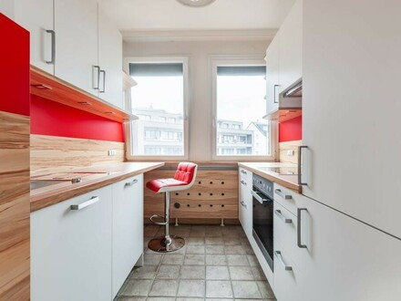 VERMIETET ! Erstbezug nach Sanierung mit neuer Küche und großem Wohnzimmer