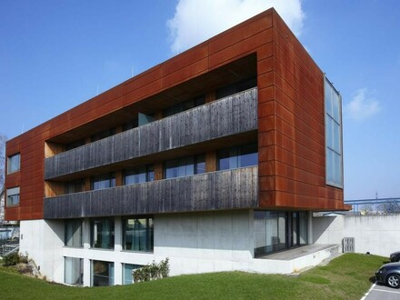 Modernes großzügiges Bürogebäude in Traun!