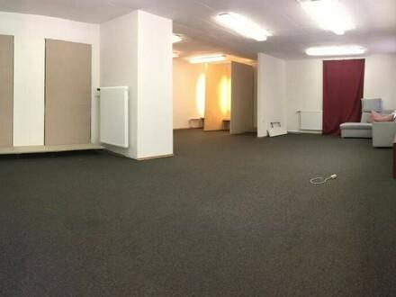 Büro, Schauraum oder Geschäftslokal im Zentrum von Waldhausen