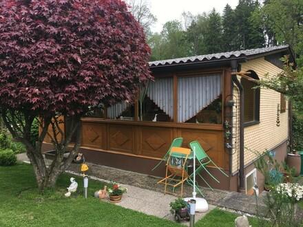 Pachtgrundstück mit ausgebautem Kleingartenhaus!