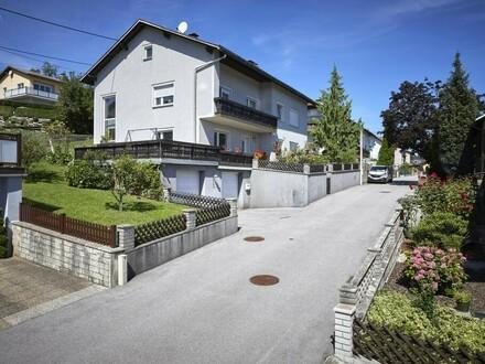 Wohnhaus mit schönem Garten und Pool