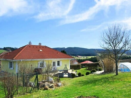 Sonniges Landhaus mit Swimmingpool