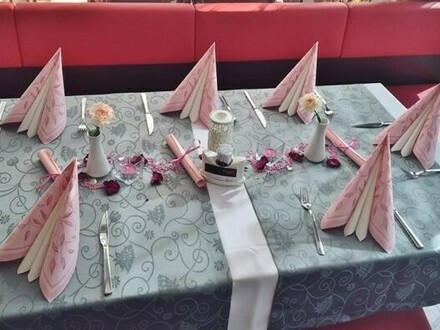 Modernes helles Restaurant/Cafe