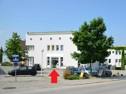 TOP-Geschäftslokal mit 15 Parkplätzen davor. Frequenzlage - Nähe Linz