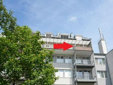 Trendige Wohnung mit Loggia im Zentrum