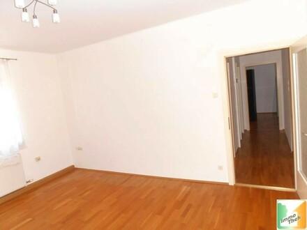 Ruhige 2 Zimmer-Wohnung mit Küche