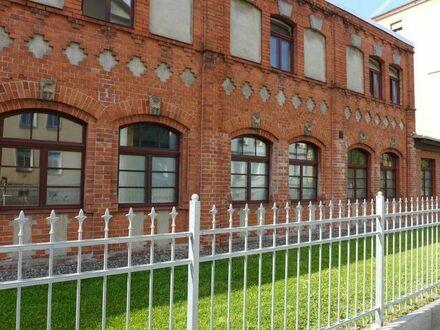 Biete Büro Arbeitsraum 27,54 qm 300 Euro warm incl. Strom ohne Nachzahlungen