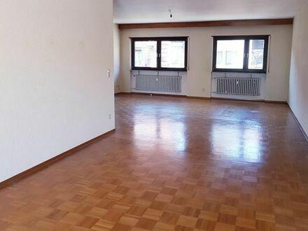 Ab sofort:Großzügige 2,5 Zimmerwohnung 96m2+Balkon in Schwetzingen als Erstbezug nach Sanierung