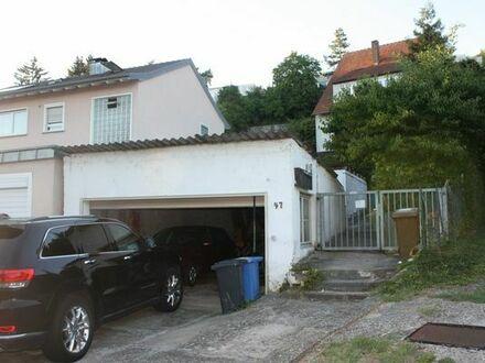 Schönes Zweifamilienhaus in Würzburg-Lengfeld
