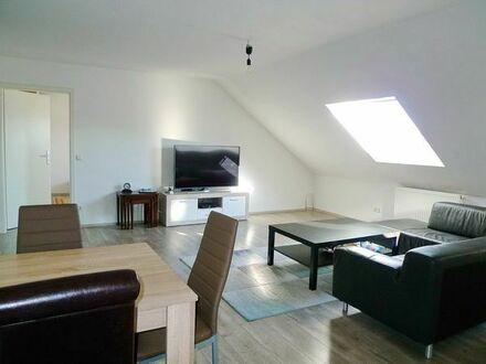 Frisch sanierte und ausbaufähige 3,5-Zi. DG-Wohnung mit Außenstellplatz in ruhiger Lage von Asperg