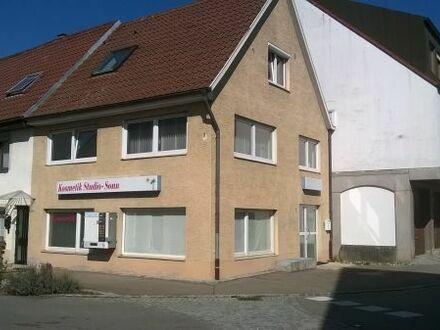 Geschäftshaus mit Wohnmöglichkeit
