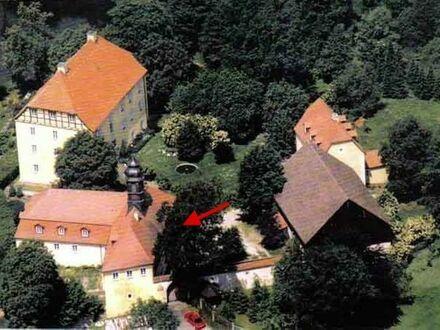 Maisonette-Wohnung (OG + DG) in Schloßanlage Göppmannsbühl