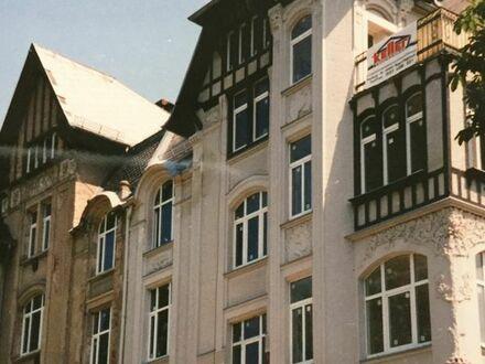 Attraktive 3-Zimmer-Altbauwohnung mit Balkon und Loggia in bevorzugter Wohngegend in Plauen