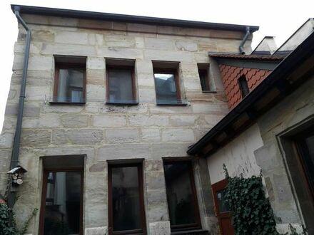 Verkaufe ein Haus bzw. eine Wohnung mit 83 qm auf drei Ebenen, wird renoviert