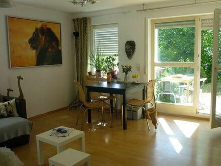 Schöne zwei Zimmer Wohnung in Esslingen a.N/ES-Serach mit Terasse und Garten