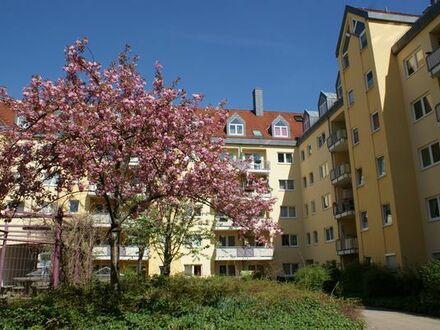 Renovierte 2-Zimmerwohnung mir TG, Stadtmitte in Fürth zu vermieten