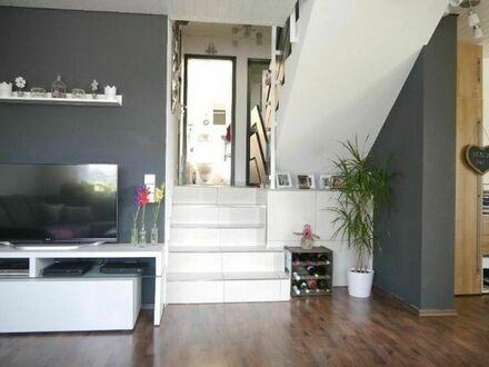 Helle 3,5 Zimmer Wohnung mit 2 Balkonen von Privat