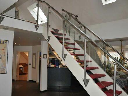 Extravagante gepflegte 3-Zimmer-Maisonette-Wohnung mit Einbauküche