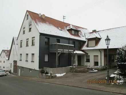 Schöne 3 1/2 Zimmer Dachgeschoß Wohnung in einem Mehrfamilienhaus in Holzbronn (Kreis), Calw