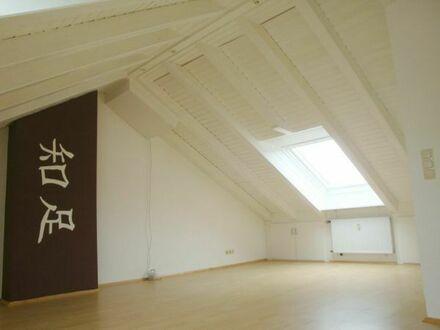 Dachgeschosswohnung ideal für Singles