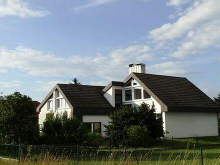 Exklusive, ruhige 3,5-Zimmerwohnung in Zweifamilien-Architektenhaus am Ortsrand von Oberschöllenbach
