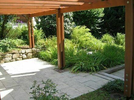 Für Gartenliebhaber: großzügige 3-Zi.-Wohnung mit komfortabler Ausstattung