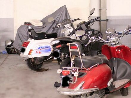 Motorrad Moped oder Motorroller Stellplatz in Tiefgarage TG in 80805 München, Schwabing Freimann
