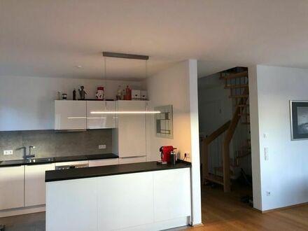 Schicke, sehr hochwertig ausgestattete Maisonette Wohnung