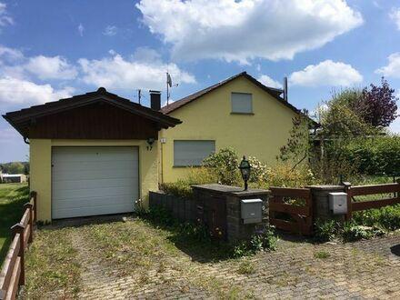 Wohnhaus in Toplage mit großem Garten  Einliegerwohnung  Garage