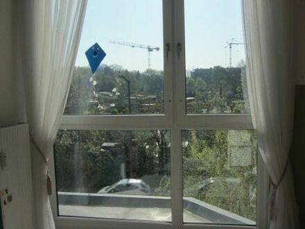 KEIN MAKLER !Wohnen ohne Heizkosten - sehr schöne 3 Zimmer Wohnung Gleißhammer-Zabo, incl.EBK und TG