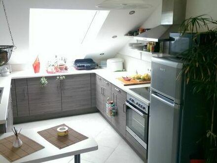 Moderne Studio-Whg., inkl. toller Einbauküche. 3 Zimmer und 2 Bäder. Ab 01.06.19 frei!