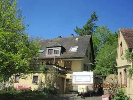 Wohnhaus mit Nebengebäude in 63864 Glattbach, Tolle Hanglage, Südlage