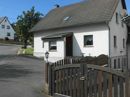 Schönes Einfamilienhaus mit kleiner Halle und Garage, in 56651 Oberdürenbach-Schelborn zu vermieten