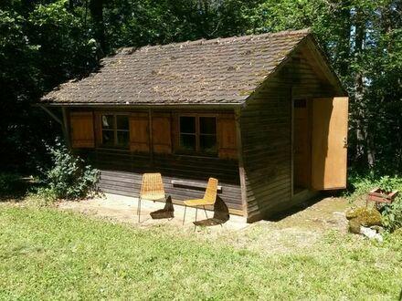 Freizeitgrundstück mit einer Hütte