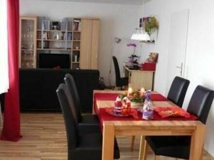Helle 2-Zimmerwohnung im 3.-OG, 71qm, wunderschöner freier Blick nach Süden. Einbauküche