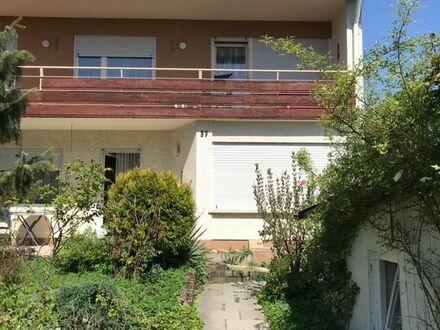 Einfamilienhaus mit Doppelgarage und großem Garten in allerbester Wohnlage in Gomaringen