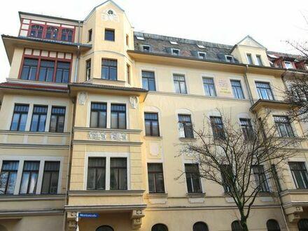 3 Raum Wohnung ca. 80 qm mit teilw. Dielenboden im 3. OG, Stadtmitte zu 4,50 EUR Kaltmiete
